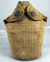 US M1910 CANTEEN WITH POUCH WITHOUT CUP 1944 ORIGINAL