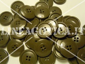 BOTTONE VERDE MILITARE 25 MM 4 FORI